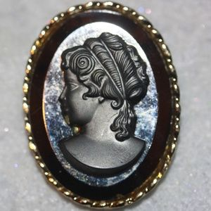 Jewelry - Vintage Silver & Black Gold Tone Cameo Brooch